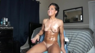 Fit Raven Camgirl Plays With Her Perfect Pussy