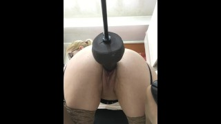 Sex Machine In Pussy And Hard Squirt